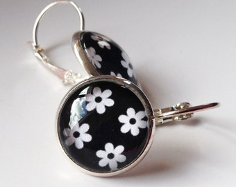 White Daisy on Black Glass Dome Earrings