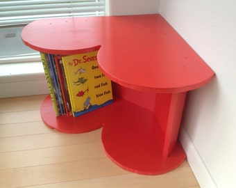 Heart Corner Wood Reading Bench