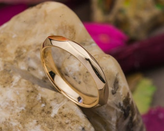 Sunny Multi Faceted 14K Yellow Gold Ring, Yellow Gold Band Ring, 14K Gold Friendship Ring, Everyday Yellow Gold Ring, Zehava Jewelry