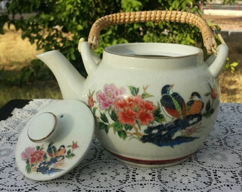 Beautiful vintage hand painted OMC Japanese teapot  with bamboo handle.