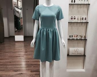 Custom made elegant pouf L.Storojuc dress.