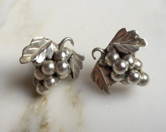 Vintage Aaron D sterling silver taxco grape earrings