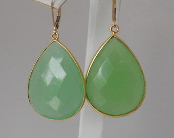 14 Karat Green Bezel Teardrop Chalcedony Pendant Earrings