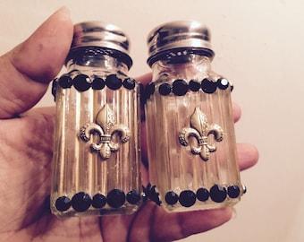 Black & Gold Salt and Pepper Shakers  NFL New Orleans Saints Fleur  di Lis