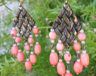 Pink earring (coral beads)
