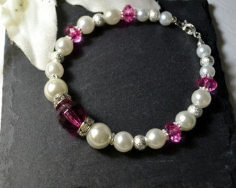 Chic crystal an d pearl bracelet