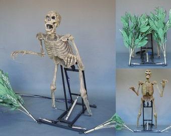Bushwacker Animated Halloween Prop - Animated Skeleton Haunted House Prop