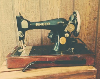 Antique Singer Sewing Machine (portable)