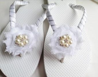 White Bridal Flip Flops Bridesmaid Flip Flop Bridal Sandals, Beach Wedding Sandals, Wedding Flip Flops Bridal Sandals Pearl Flip Flop