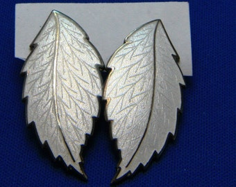 Vintage White Enamel Silver Tone Leaf Earrings