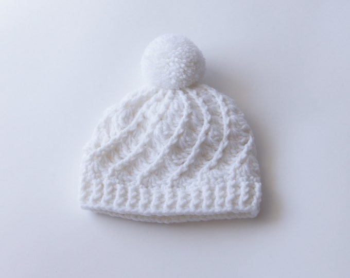 Baby Girl Boy Hat, Crochet Baby Beanie in White, Newborn Hat, 0-3 Month Hat, Infant Hats, Ready to Ship