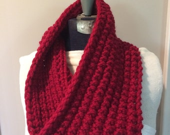 RED KNIT COWL