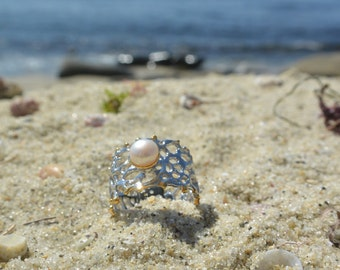 pearl & filgree coral design band ring