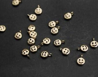 P0155/Anti-Tarnished Gold Plating Over Brass/Tiny Smile Pendant /4.5 x6.8mm/4pcs