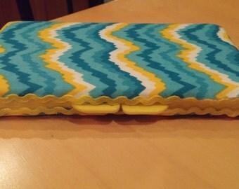 Zigzag wipe case