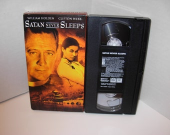 Satan never Sleeps VHS Tape William Holden Clifton Webb Free Shipping