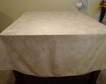 """Vintage Holiday Reversable Oval Tablecloth - 59 1/4"""" x 84 1/4"""""""