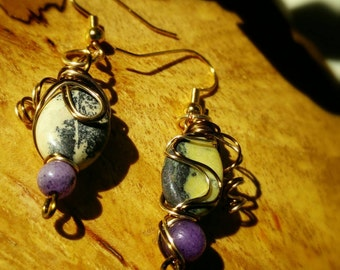 Asymmetrical wire wrapped earrings with agate and amethyst