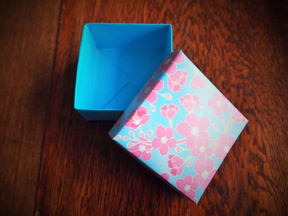 Blue and pink cherry blossom origami gift box with lidfor - photo#45