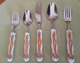 "Five Piece Place Setting RARE Gloria Vanderbilt ""Forever Thine"" Flatware."