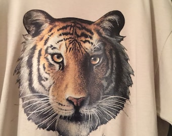 Tan t-shirt with leintes Tiger head