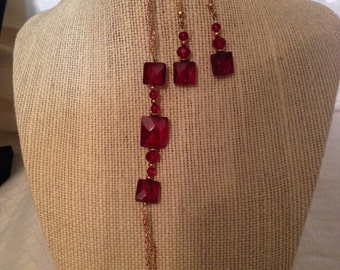 Ruby red faceted glass beaded bracelet & earrings