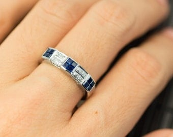 Band ring in 18K white gold Blue Sapphire and Diamond