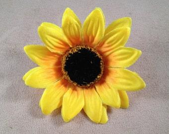 Small sunflower artificial flower hair clip/pin brooch (Yellow)