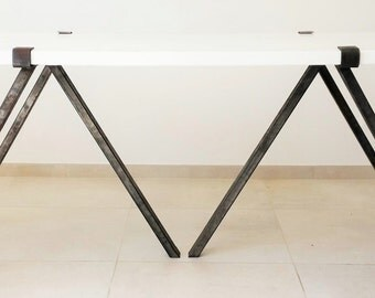 Dining table wood and steel