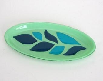 Leaves on Leaf Serving Dish Plate Platter Dish Table Art Artglass D-0075