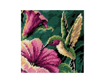 Mini NEEDLEPOINT KIT - Hummingbird Drama - 5 Inch x 5 Inch