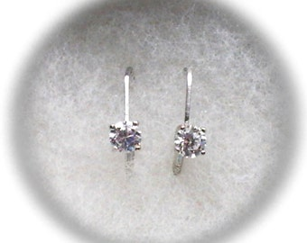 5mm White Cubic Zirconias in 925 Sterling Silver Leverback Earrings