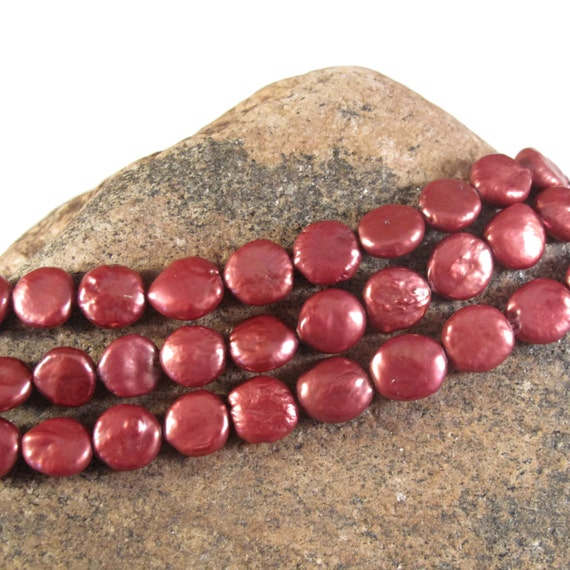 Red Freshwater Pearls, Beautiful Coin Pearl Beads, 8.5mm - 9.5mm, 7 Inch Strand, 21 Pearls, Round, Flat Pearl Beads (P-C1)