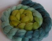 Roving Fiber Top Wool Falkland Gradient SUMMER RENTAL 4 oz Easy Spin Felt Knit Weave Craft Blue Green ocean handspinning turquoise ombre
