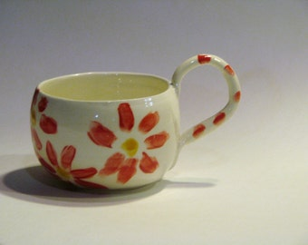 Coffee Mugs with Red and Yellow Dasies