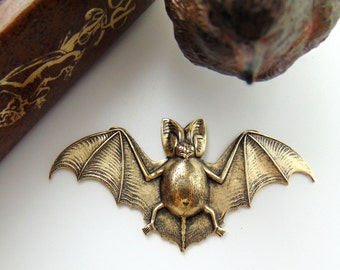 ANTIQUE BRASS * Gothic Motif Large Bat Stamping ~ Jewelry Ornament Findings (FA-6014)