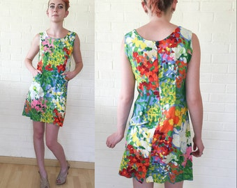 80's Does 60's Vintage Vibrant Impressionistic Floral Shift Mini Dress S/M