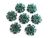 6 Vintage flowers buttons plastic 15mm, unique green, RARE