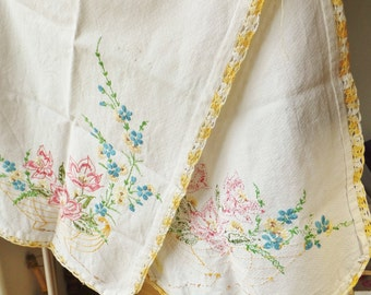 Vintage 1940's Embroidered Tablerunner Small Tablecloth Nightstand Tablecloth Dresser Cloth Floral Embroidery Yellow Pink White Cottage Chic