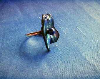 Sterling silver ring set with Paua shell and a pearl