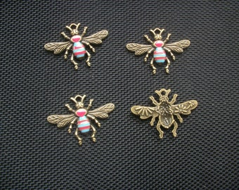 4 Bumble Bee Charms, Pendants Enamelled Bronze Tone Metal 32mm