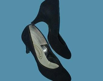 Vintage 50s Black Suede Shoes Medium Heels 5 B