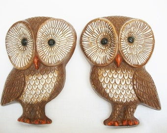 2 vintage big eye owl wall plaques