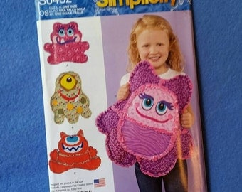 Uncut Simplicity Sewing Pattern - Rag Quilted Monster Pillow - S0482 - one size