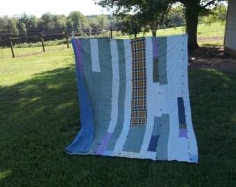 Primitive Farmhouse Quilt Vintage Bedding Rustic Bedspread Quilt Top Prairie Cottage Chic Decor Sewing Supplies 72 x 86
