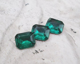Vintage 8x10mm Czech Emerald Green Gold Foiled Pointed Back Octagon Glass Rhinestone Jewel Stones (12 pieces)