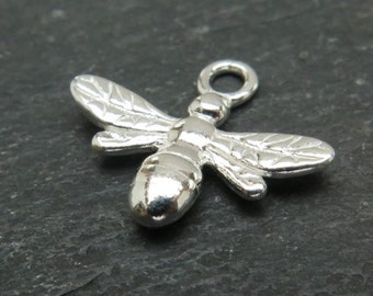 Sterling Silver Bee Pendant 13mm (CG7769)