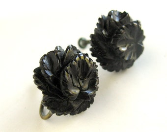 1950s Vintage Carved Glass Button Earrings in Black Floral Design / Screw Back Earrings