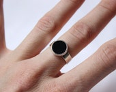 Black Onyx Ring, Sterling silver,  Made to order in your size, Black Round Stone ring, Geometric and minimalist