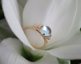 Lotus Ring in 18K Gold and Sky Blue Topaz - Ready to Ship